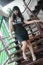 Black-dress-brown-etienne-aigner-purse-beige-nine-west-shoes-gray-accessor