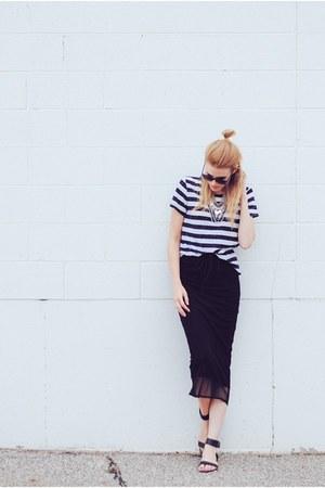 H&M t-shirt - midi Pippa Lynn skirt - Steve Madden sandals