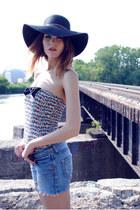 Forever 21 hat - Zara shorts - Zara top