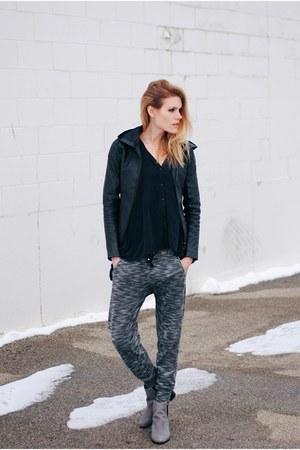 Jeffrey Campbell boots - black swan clothing jacket - lounge Gypsy 05 pants