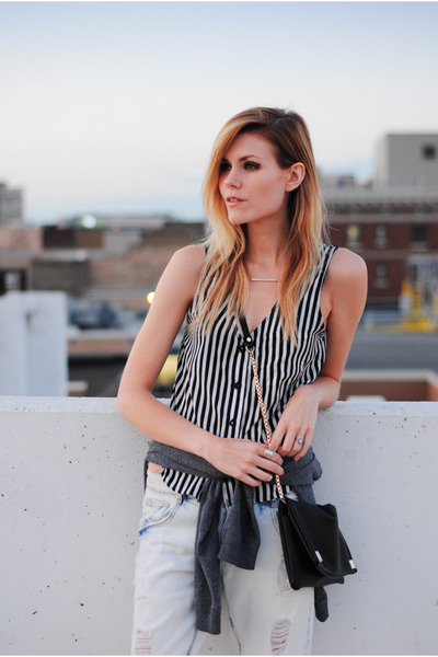 boyfriend Zara jeans - H&M sweatshirt