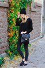 Quilted-mango-sweater-nila-anthony-bag-zara-pants-nike-sneakers
