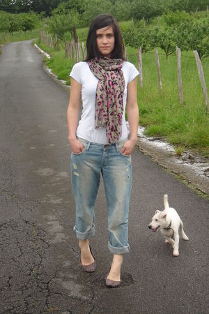 blue H&M jeans - brown BLANCO accessories - white H&M t-shirt - brown BLANCO sca