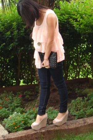 blue Bershka jeans - beige Boohoo shoes - pink H&M blouse - black H&M accessorie