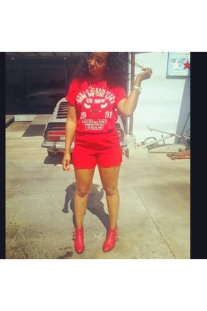 red Forever 21 shoes - red vintage shorts - red vintage top