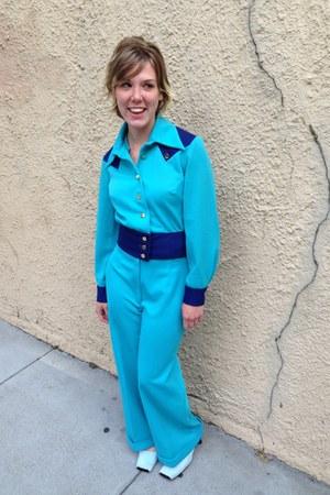blue fur vintage pumps - vintage suit