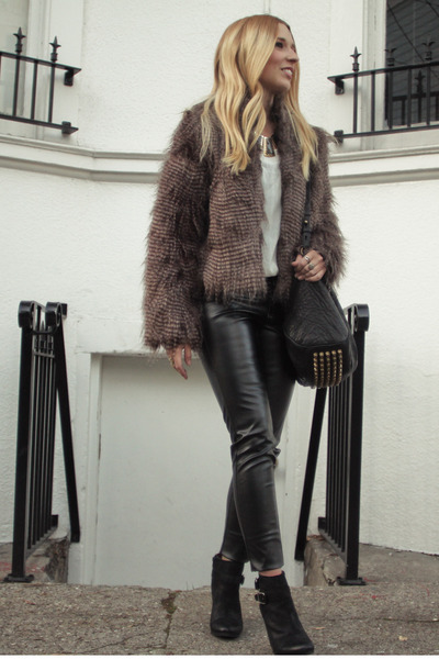 light brown faux fur Allen B jacket - black Lucky Brand boots