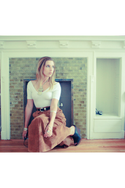 brown vintage skirt - white American Apparel top - black Steve Madden shoes - si