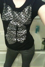 Black-coco-and-lolly-t-shirt-gray-delias-pants-silver-coco-and-lolly-earring