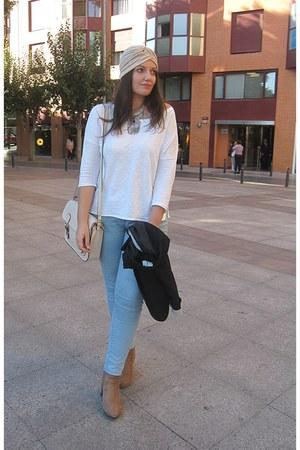 white Sfera t-shirt - black Stradivarius blazer - cream xti bag