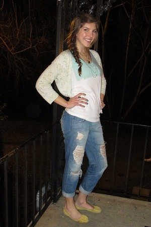 American Eagle cardigan - Forever 21 jeans - Gap shoes - Urban Outfitters neckla