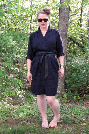 thrifted dress - gifted belt - Kenneth Cole Reaction shoes - Charlotte Russe bra