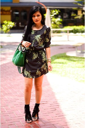 green twist lock Sheinside bag - dark green floral print Sheinside dress
