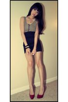 black H&M skirt - white American Apparel top - red shoes