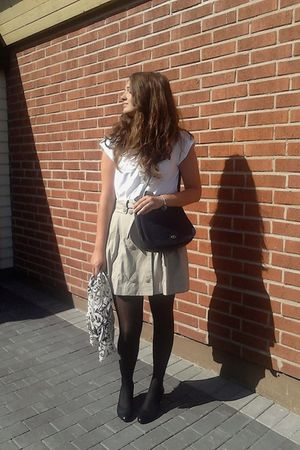 black H&M leggings - blue vintage purse - beige H&M skirt - white lindex blouse