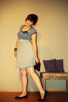 blue Fransa FRN second-hand t-shirt - gray VERO MODA second-hand skirt - blue ra