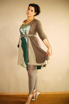 blue second-hand CULTURE skirt - beige no name cardigan - beige Pimkie leggings