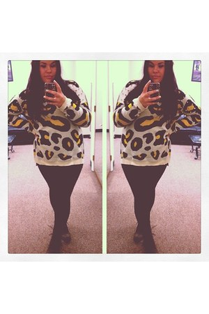 dark brown studded Buckle boots - gold Forever 21 sweater