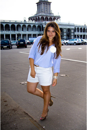 sky blue H&M shirt - cream vintage shorts Gap shorts - beige Mascotte pumps