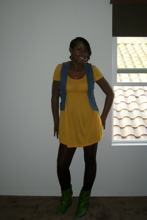 vest - dress - tights - shoes