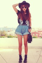 black magnetic romwe bracelet - sky blue high waisted OASAP shorts
