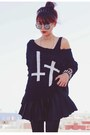 Black-skater-motelrocks-dress-black-inlovewithfashion-jumper