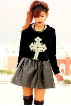 black Romwecom skirt