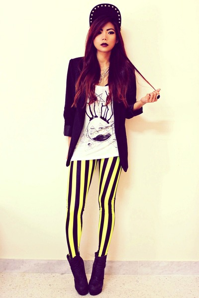 silver spike Romwecom hat - yellow beetlejuice Blackmilkclothingcom leggings