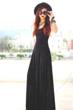 black burned velvet blackmilkclothing dress - black wide brim OASAP hat