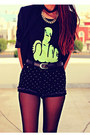 Black-studded-romwecom-shorts-black-round-choiescom-sunglasses