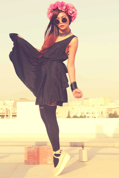black Romwecom dress - cream Romwecom shoes