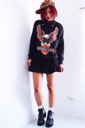 black Romwecom sweatshirt