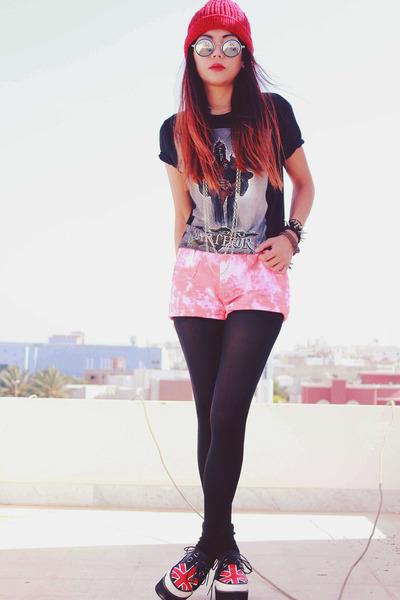 bubble gum tie dyed romwe shorts - black round romwe glasses