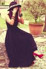 Black-pleated-maxi-stylishpluscom-dress-gold-vidakushmyshopifycom-bracelet