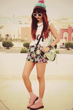 pink flat lace up choiescom shoes - black floral Luccacouturecom shorts