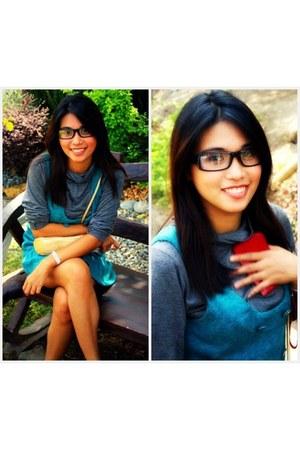 turquoise blue dress - heather gray Taboo sweatshirt - dark gray rayban glasses
