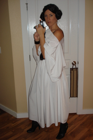 white halloween dress