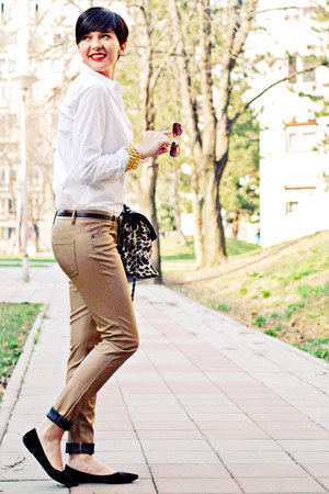 black H&amp;M flats - white Stradivarius shirt - camel Lookat bag