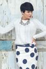 White-lindex-sweater-navy-lindex-skirt