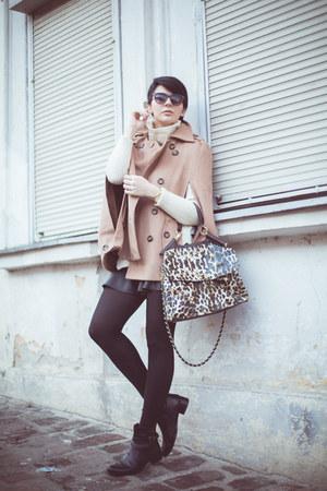 light brown Sheinside cape - black Momenti boots - beige Sheinside sweater