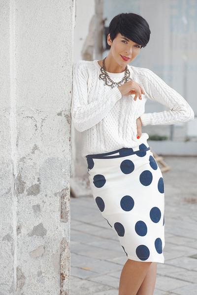 navy lindex skirt - white lindex sweater