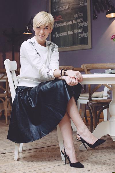 black chictopia shop skirt - white ZLZcom sweater - black Zara sandals