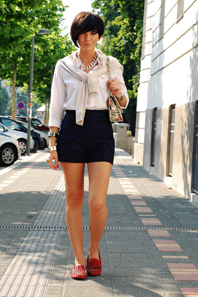 white Stradivarius shirt - off white OASAP bag - navy Zara shorts