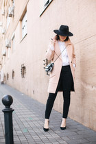 black lindex hat - light pink Metisu coat - white Zara bag