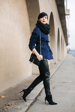 black H&M scarf - navy Front Row Shop coat - black OASAP bag - black Zara heels