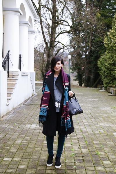 Terranova scarf - Zara coat - Massimo Dutti jeans - Mexx bag