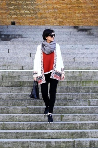 black Mexx bag - white H&M sweater - gray H&M scarf - black Orsay pants