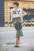 green chic skirt - white Oviesse t-shirt - black Zara sandals