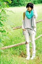 SIX scarf - Zara jeans - Zara sweater - white Converse sneakers