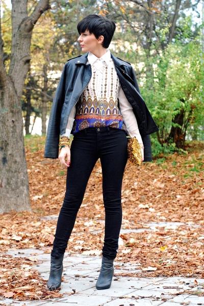 white Romwecom blouse - black OASAP boots - black Mango jeans